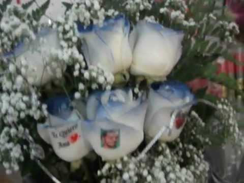 Ramo de rosas azules con tatuaje