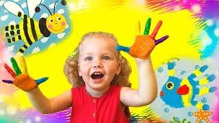 Полина красит ручки красками и Учит цвета на Английском Funny kid play, learn colors Песни для детей