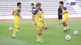 Va chạm chỗ hiểm với cầu thủ Thái Lan, Công Phượng vẫn trở lại khỏe mạnh