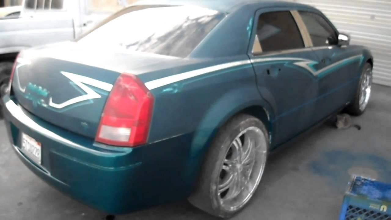 Silver Chrysler 300 >> curlys pinstriping green chrysler 300.MP4 - YouTube