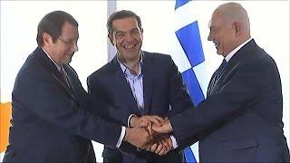 إسرائيل تحقق حلمها بغزو أوروبا عبر أنابيب الغاز الطبيعي (فيديو)