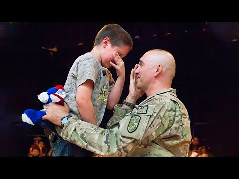 MOST EMOTIONAL SOLDIERS COMING HOME COMPILATION - CREATIVE
