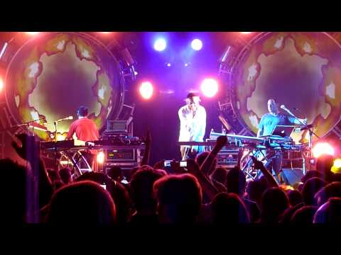 The Crystal Method - Live at Webster Hall - 05/09/2009 - With Matisyahu - HD Full Song
