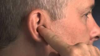 Как надевать и снимать невидимый слуховой аппарат(Как надевать и снимать невидимый слуховой аппарат - видеоинструкция для клиентов Центра коррекции слуха..., 2016-03-31T13:54:53.000Z)