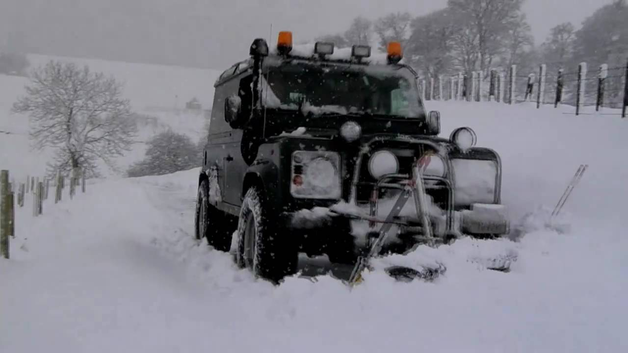 100 Land Rover Snow Husky Race Is Snow Problem For