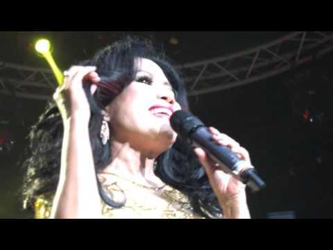 RITA SUGIARTO-HITAM, D'ACADEMY ASIA FINAL 29122015 [FULL HD]