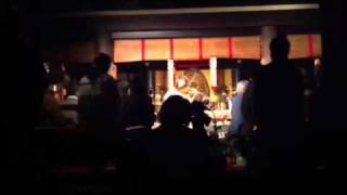 日比崎卒業の先輩(Natsumi Okimasuさん)が尾道の浄土寺で演奏。
