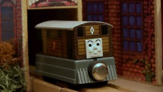 Wooden Railway Reviews - 1992-1993 Original Decal Toby