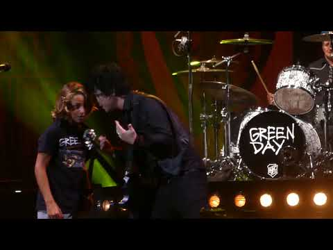 """Knowledge(Fan Plays Guitar Onstage) & Basket Case"" Green Day@Camden, NJ 8/31/17"