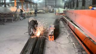видео Изготовление и монтаж кран-балки электрической опорной 5 тонн пролет 10,5 метров.