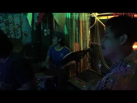 Croissant band live in root rock reggae bar Chiang Mai 2017