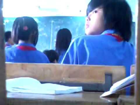 """Rùng mình với clip cô giáo """"quất"""" học sinh bằng roi ngay tại lớp   Báo Giáo dục Việt Nam"""