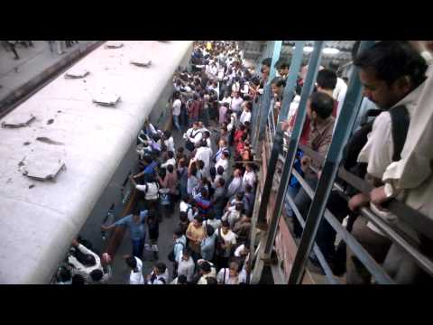 Kurla station - harbour line (Mumbai Local)