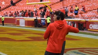 Kansas City Chiefs' QB Patrick Mahomes warms up before AFC Divisional Game with Texans
