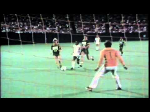Flashback Friday: Pelé's Great Cosmos Goals