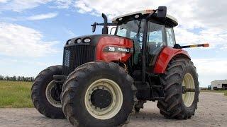 Вы такого не видели! Необыкновенное видео тракторов на поле!(Хотите узнать новейшие и сенсационные новости о авто мире? Совершенно новые факты о ужаснейших дтп за после..., 2015-02-20T19:18:52.000Z)
