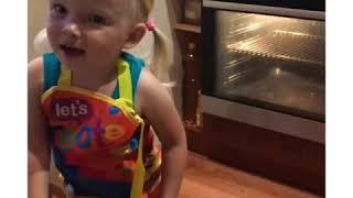 Готовят дети рецепты: Творожная запеканка