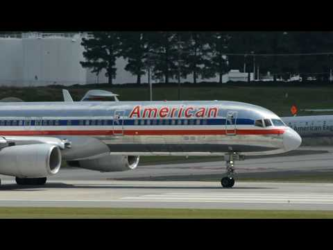 American Airlines (Old Livery) Boeing 757-223(WL) [N679AN] Takeoff Charlotte CLT