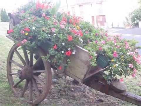 Amenagement D Une Charette Fleurie Youtube
