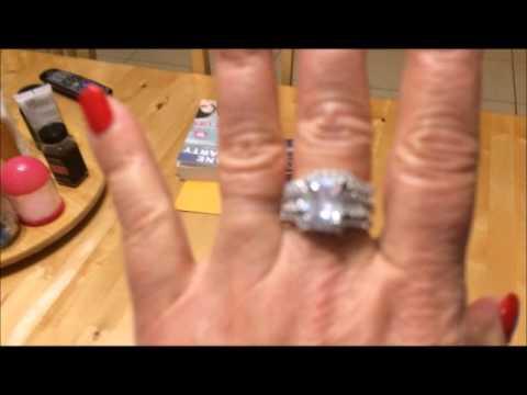 Jeulia 3PC 30 CT Radiant Cut Created White Sapphire Wedding Set
