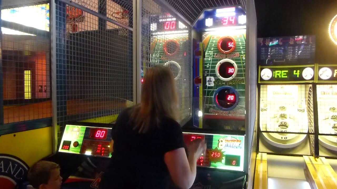 Football Game At Dave And Busters Orlando Fl Youtube
