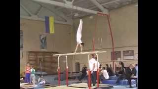 Брусья 2-й разряд спортивная гимнастика мужчина 9,5 лет. Первый раз.
