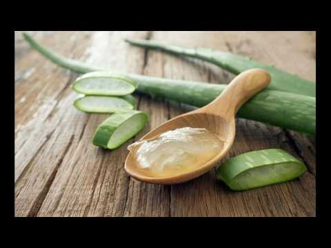 home-remedies-lavender-essential-oil-and-aloe-vera-treats-dry-hair-in-best-manner