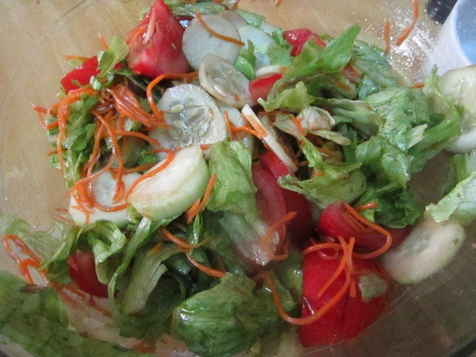 Ensalada de lechuga tomate pepino y zanahoria youtube - Ensalada de apio y zanahoria ...