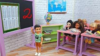 Barbie Junior School Life - Maths lesson ! School morning routine