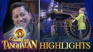 Tawag ng Tanghalan: Vice Ganda throws jacket at Jhong