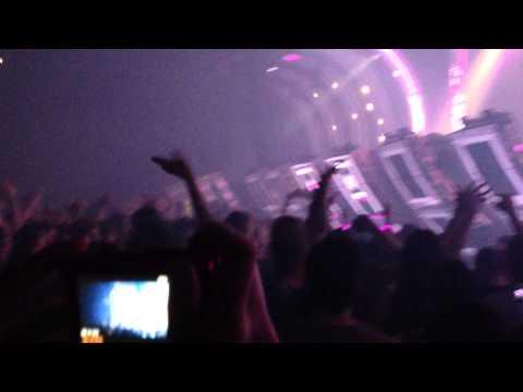 текст песни let go paul van dyk. Armin van Buuren - A State of Trance 650.4 (15.02.2014) (Live  Jaarbeurs in Utrecht, The Netherlands) (Main Stage - Part 3 - Dash Berlin) - Paul van Dyk feat. Johnny McDaid vs. Armin van Buuren & Ian Standerwick feat. Arun