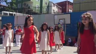 ayşe çarmıklı ilk öğretim okulu okuma bayramı gösterisi 1/e