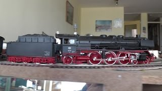 """HO Roco analog DB 4-6-2 Pacific class 01 with some group 39 cars, the """"Schürzenwagen"""""""