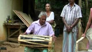 "A traditional artist from uggal aluthnuwara March 04,1950 ""Magulberaya"" .mpg"