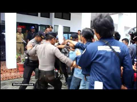 Demo di Depan Kantor DPRD Majene Ricuh, Ini Videonya