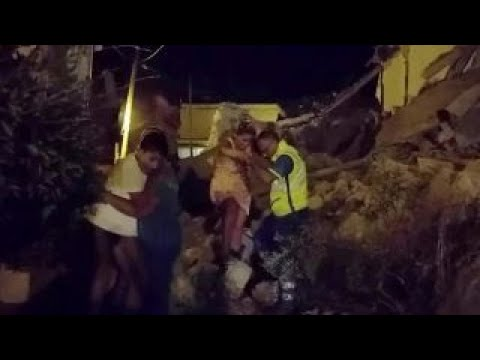 2 children pulled from rubble on quake-hit Italian island