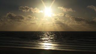 2 HOURS - RELAXING SEA WAVES - RELAX/SLEEP MUSIC - MEDITATION/YOGA - SCREENSAVER