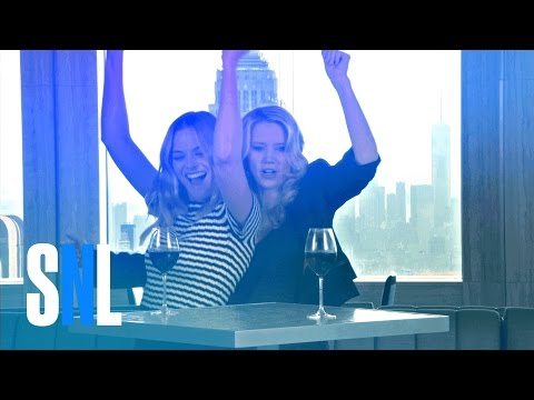 SNL Host Margot Robbie and Kate McKinnon Have a Pre-Premiere Pre-Party