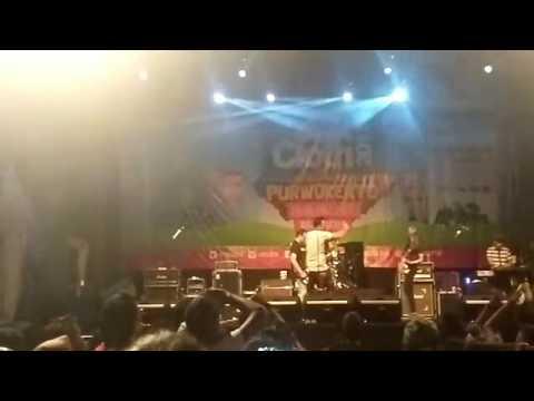 Naif - Mobil Balap (Live)