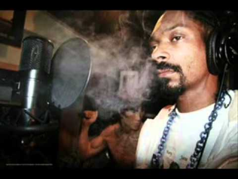 Snoop Dogg - Love Don't Live Here