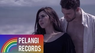 Pop - Syahrini - Sandiwara Cinta (Official Music Video)