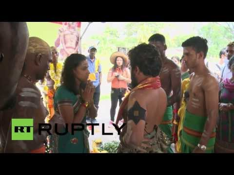 Malaysia: Hindus show the pain of extreme devotion at Thaipusam