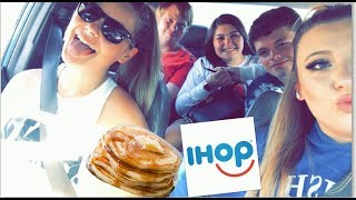 IHOP 60 CENT PANCAKE DAY ft. friends | Vlog Day 4