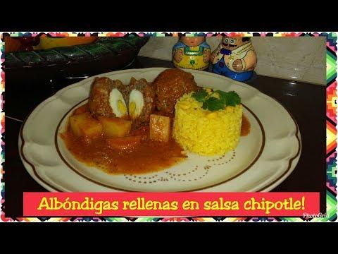 Albondigas rellenas en salsa chipotle!!