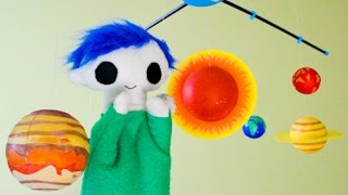 Odie Makes a Solar System Mobile  - Science for Kids
