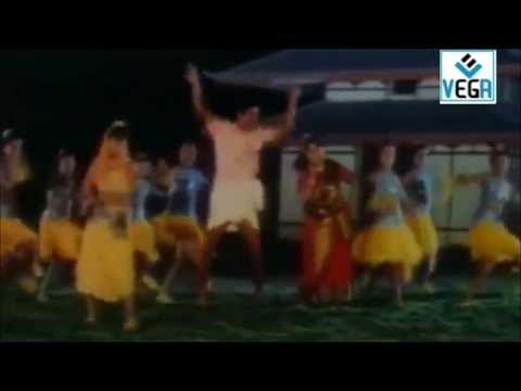 En Pondatti Nallava Movie Song -3