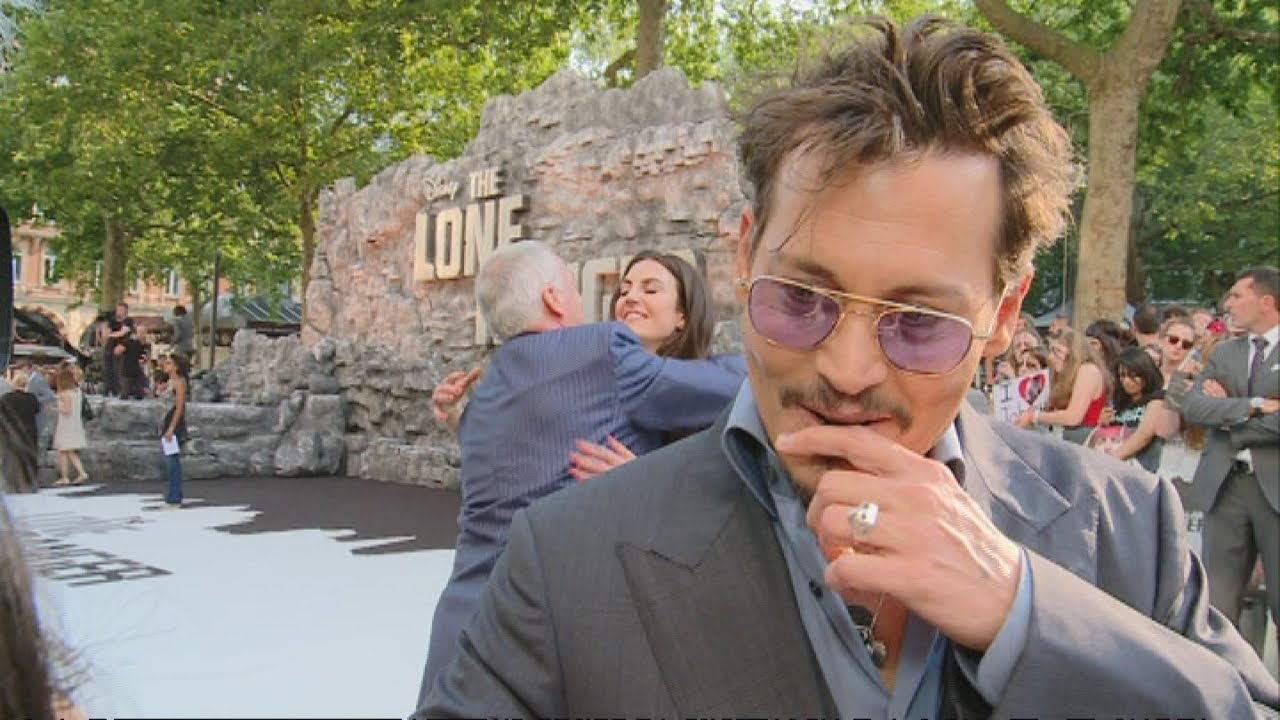 f1f5bcddba THE LONE RANGER  Johnny Depp wows fans on the red carpet in London - YouTube