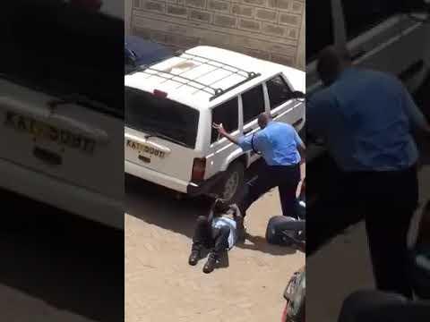 KENYA: @UKenyatta @MigunaMiguna @RailaOdinga police thugs at it again. Police camera brutality