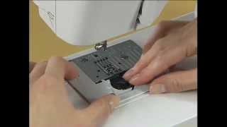 Замена иглы в швейной машинке чистка(Видео содержит инструкции для работы на швейных машинах Brother http://zzigzag.com/, 2013-01-29T14:48:51.000Z)