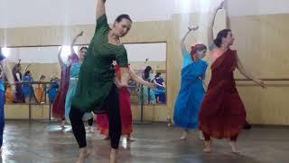 Уроки индийского танца 1часть